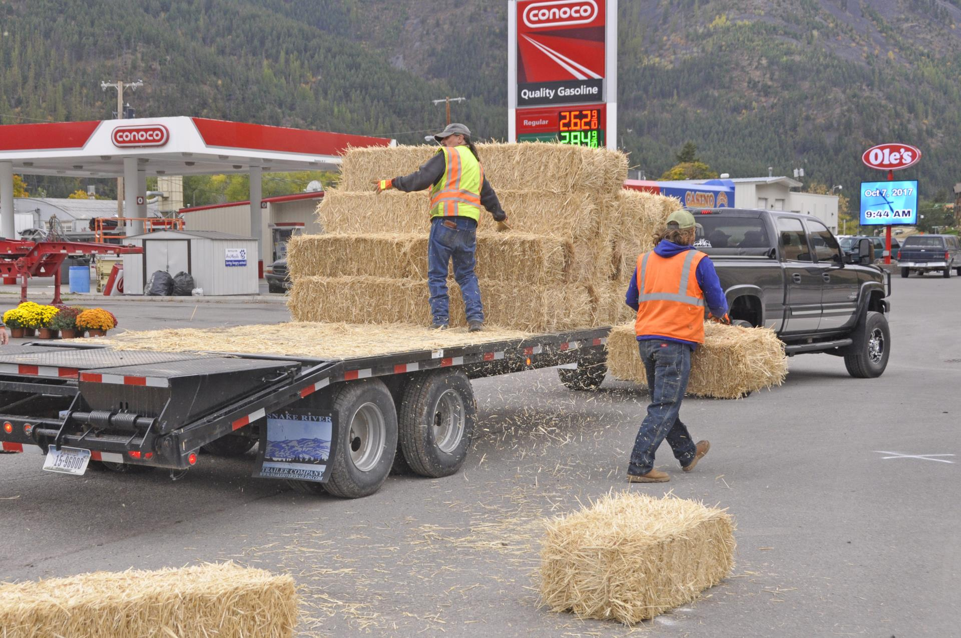 Placing Straw Bales to Show a Safe Path