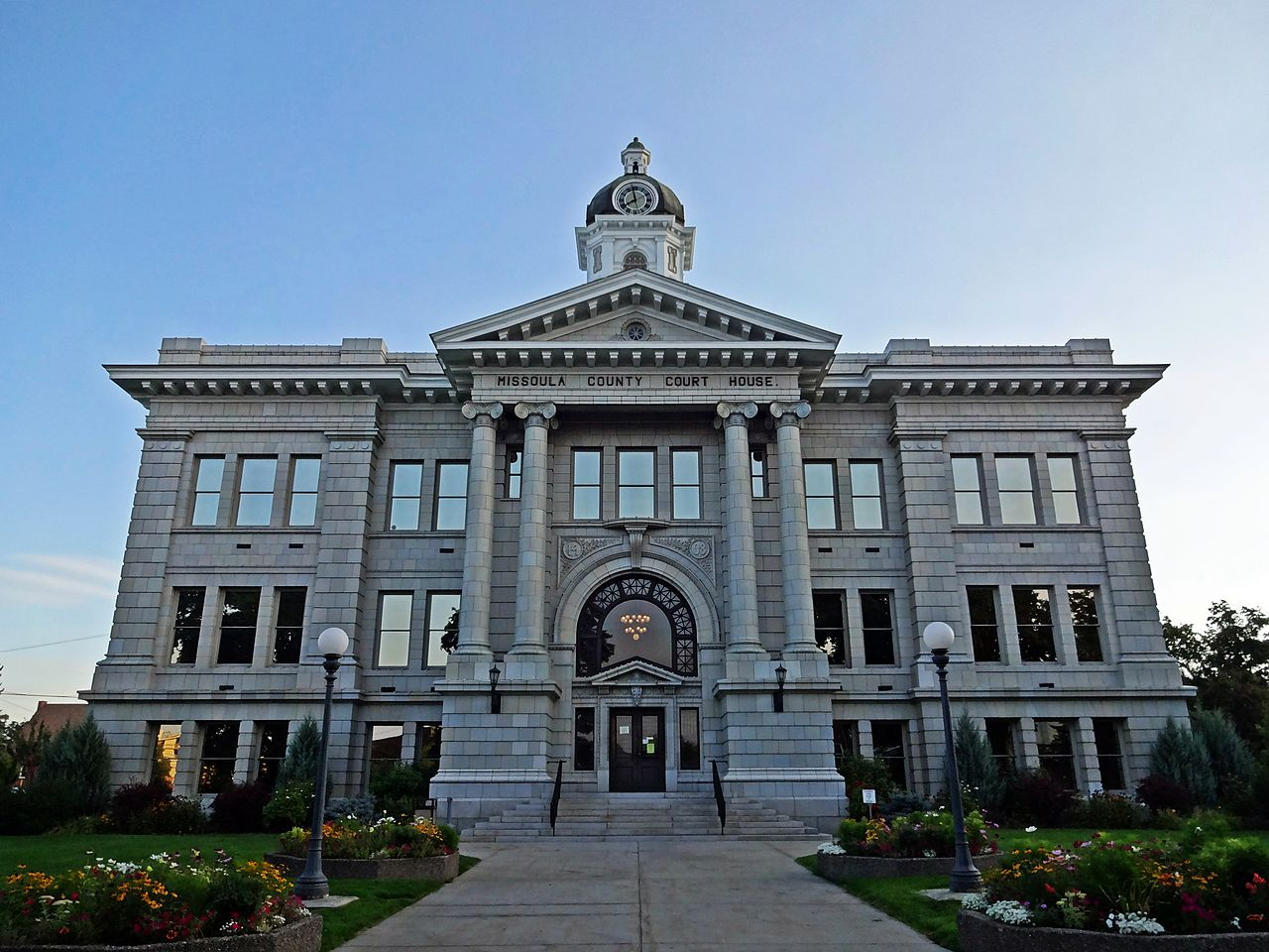 1280px-Missoula_County_Courthouse_in_Morning